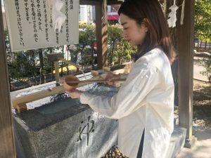 神道系 神道の浄化:手を洗う